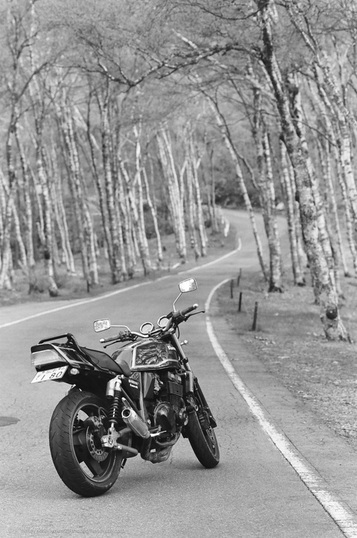 Kawasaki ZRX-400, 35mm film, Ilford Delta 100. Venus line, Nagano prefecture, Japan. © A. Henry Rose, 2016